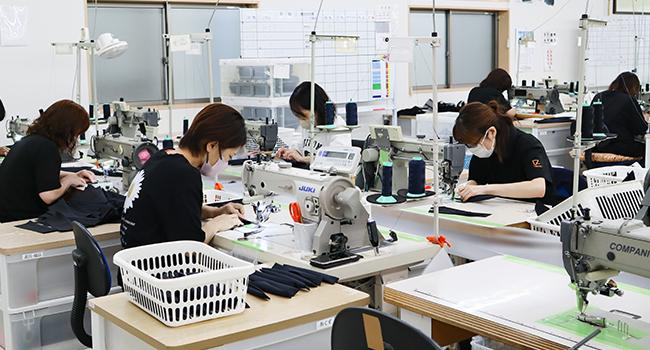 鞄製造事業
